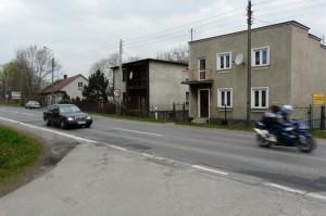 Wyprzedzanie na skrzyżowaniu Krakowskiej ze Słoneczną w Andrychowie